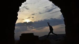 Tarihi Ravanda Kalesi ihtişamıyla ziyaretçilerini büyülüyor