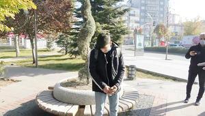 Başkan yardımcısından sigara içen gence: Delikanlı 900 liran var mı