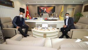 Türkiye Voleybol Federasyonu Başkanı Üstündağ, MKE Ankaragücü Kulübünü ziyaret etti