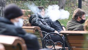 Ankarada yasağa rağmen sigara içtiler