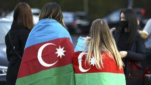 Azerbaycan'ın zaferi, Berlin'de araç konvoyuyla kutlandı