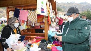 Talas Belediye Başkanı Yalçın, kadın üretici pazarında