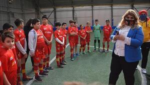 Kayserispor Başkanı Berna Gözbaşı: Altyapı bizim için çok önemli, 14 futbol okulumuz var...