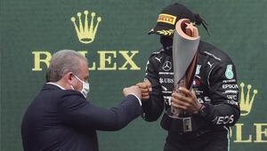 TBMM Başkanı Şentoptan Hamiltona tebrik: Pist çok iyiymiş değil mi şampiyon