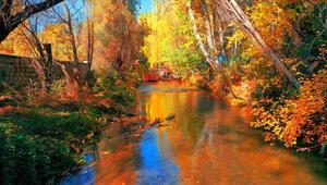 Ihlara Vadisindeki sonbahar renkleri ziyaretçilerini hayran bırakıyor