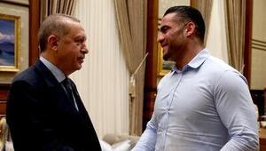 Müslüman dünya şampiyonu Mahmoud Charr, aşiret savaşlarına engel oldu