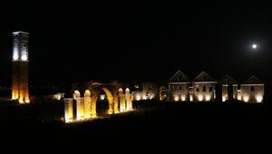 UNESCO adayı 7 asırlık ören yeri ışıklandırıldı