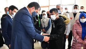 İHHdan Sivasta 2 bin aileye giysi yardımı