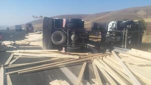 Devriyen kamyonun sürücüsü hayatını kaybetti