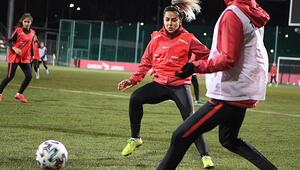 Son Dakika Haberi   A Milli Kadın Futbol Takımında Sevgi Çınar üzüntüsü