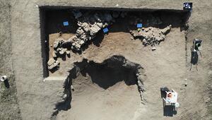 Afyonkarahisarda Puruşhanda kentine ait olduğu değerlendirilen tarihi yapı bulundu