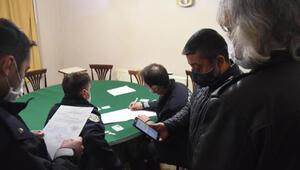 Kütahya'da kumar oynarken yakalanan 14 kişiye 65 bin 240 lira ceza