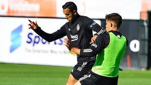 Beşiktaşta Covid-19 olan 2 futbolcu Başakşehir maçına yetişebilir