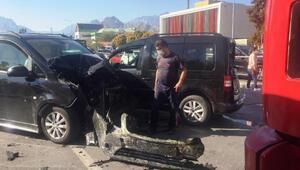 Ehliyetine el konulan sürücü zincirleme kazaya neden oldu: 6 yaralı
