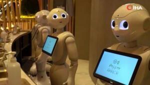 Japonyada robot garson dönemi başladı Hem servis hem sohbet