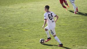 Eskişehirsporlu Bilal Ceylan: Gökhan Gönül ile Dani Alvesi örnek alıyorum...