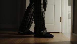 Uyurgezerlik neden olur Uyurgezerlerde görülen davranışlar nelerdir