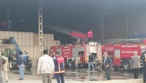 Çırçır fabrikasında çıkan yangında 40 ton pamuk balyası yandı