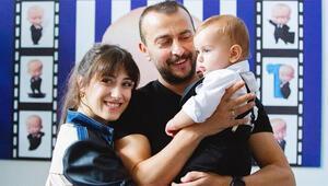 Hazal Kaya ile Ali Atay oğulları Fikret Ali'nin doğum gününü kutladı