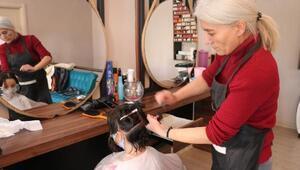 11 yaşındaki Ece Su, lösemili çocuklar için saçlarını kestirip bağışladı
