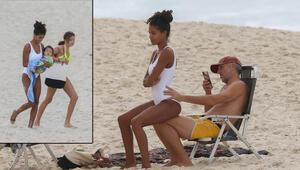 Dur, çekiyorum: Ünlü plajda tatil keyfi
