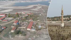 Baraj suları çekildi, eski köy evlerinin bir kısmı ve cami minaresi oraya çıktı