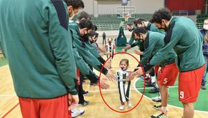 Mucize bebek Aydadan sevindiren fotoğraf