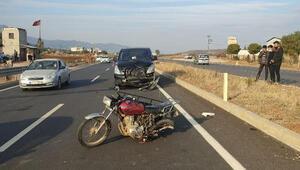 Kamyonetle çarpışan motosikletin sürücüsü yaralandı