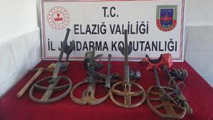 Elazığ'da kaçak kazıya 4 gözaltı