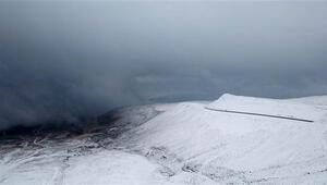Bitlise mevsimin ilk karı yağdı