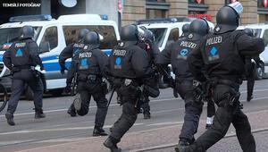 50 polisin cep telefonuna el konuldu