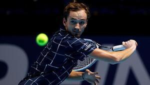 Rafael Nadalı deviren Daniil Medvedev finalde