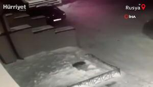 Mucize kurtuluş 4ncü kattan düşen çocuğu yerdeki kar birikintisi kurtardı