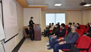 Adanada polislere şüpheli kişi ve araç durdurma eğitimi verildi