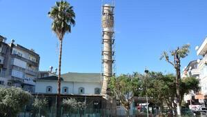Hortumdan zarar gören minareler tamir ediliyor