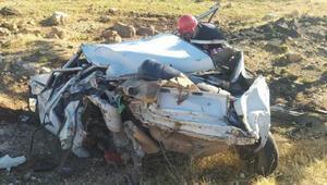 Şanlıurfada otomobil takla attı: 2 kardeş öldü, 2 kişi yaralandı