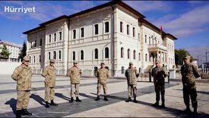 Sivasta askerlik görevini yapan öğretmenlerlerden Bakan Selçuka sürpriz kutlama