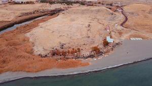 Van Gölü çekilince ortaya çıktı 2 bin 750 yıl önce kullanılmış...