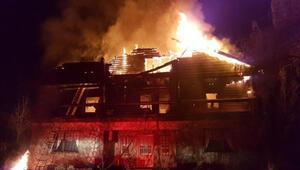 Tadilat yapılan ev alev alev yandı