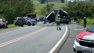 Brezilyada yolcu otobüsü ile TIR çarpıştı: Çok sayıda ölü var