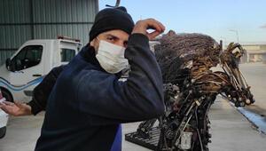 Bu kez Nusret'e benzeyen metal heykel yaptı