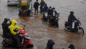 Nivar Kasırgası Hindistanı vurdu