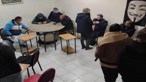 Sivasta yasağa uyulmayan kıraathanenin işletmecisi ve müşterilerine ceza
