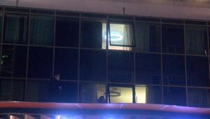 Son dakika... Şişlide ünlü bir otelin penceresinden düşen kadın yaralandı