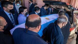 Son Dakika | Maradona son yolculuğuna uğurlandı Cenazede o anlar...