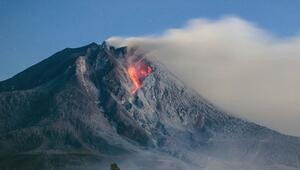 Endonezyada Ili Lewotolok Yanardağında patlama