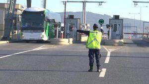 İstanbulda Jandarmadan şehirlerarası otobüslerde koronavirüs denetimi