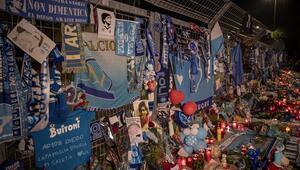 Napolililer, Maradonanın vefatı sonrası yasta