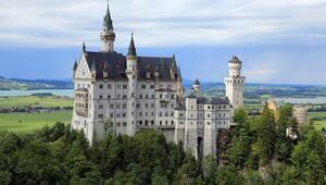 Avrupanın masalsı şatosu Neuschwanstein