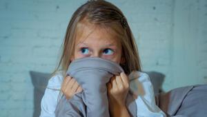 Deprem travması yaşayan çocuğa nasıl yaklaşmalı